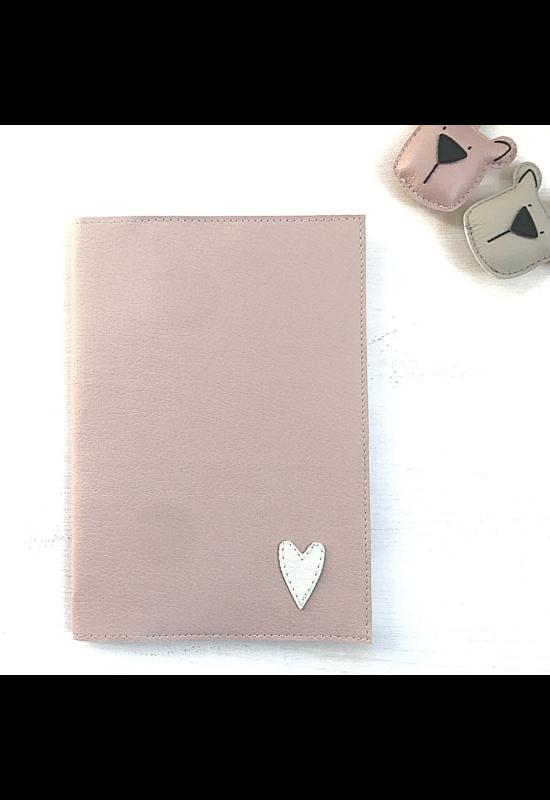 ESKA Egészségügyi kiskönyv borító - Rózsaszín/törtfehér szív (12.5 x 17.5 cm)